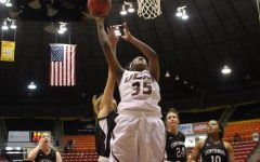 Women's basketball cans Centenary in 1st game
