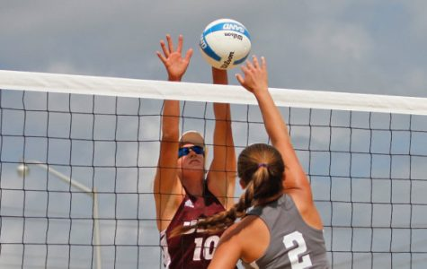 Sand volleyball back on campus with 5-0 victory