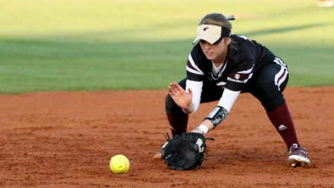 Softball wins defensive battle v. Louisiana Tech