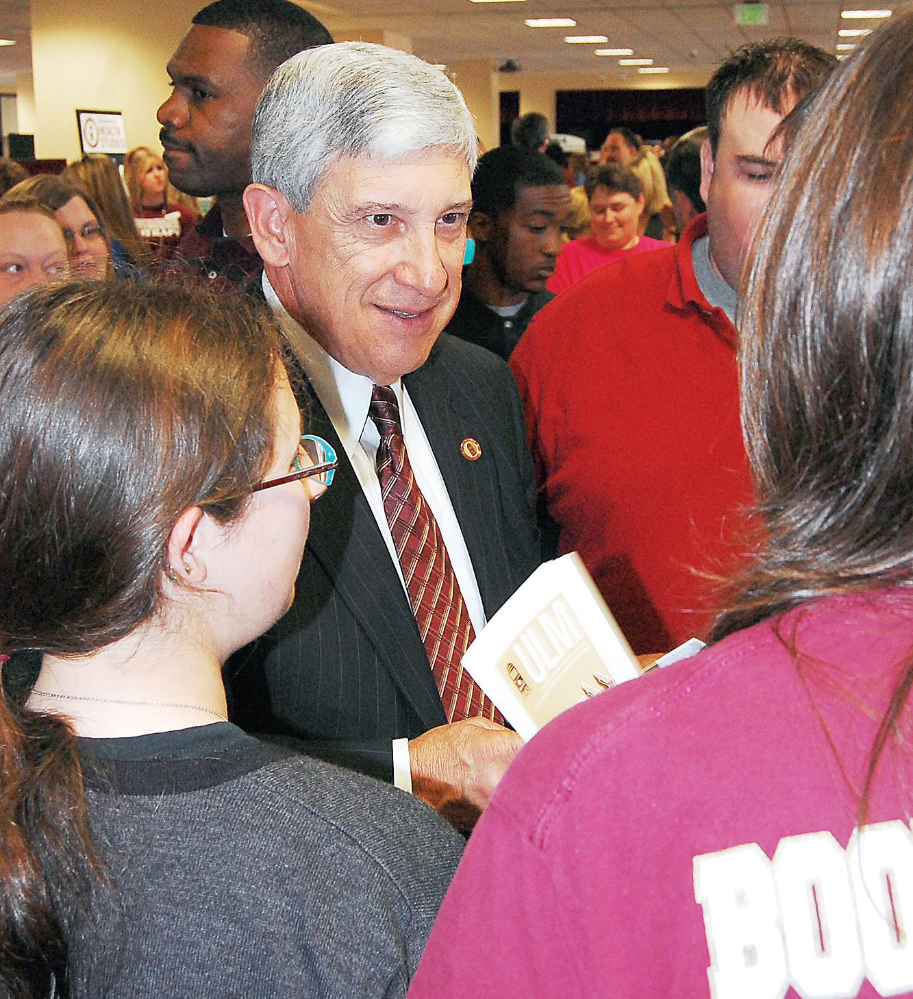 President Nick Bruno meets with students