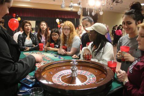 Casino Night brings Vegas flair to campus