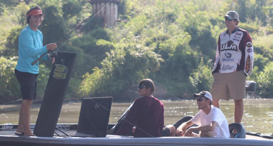 Fishing team reels up community service