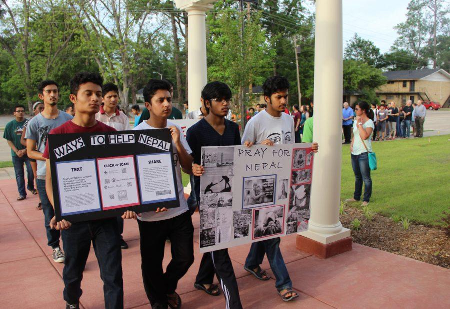 Students+rally+for+Nepal