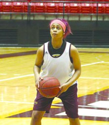 Women's basketball looks to build off success of previous season