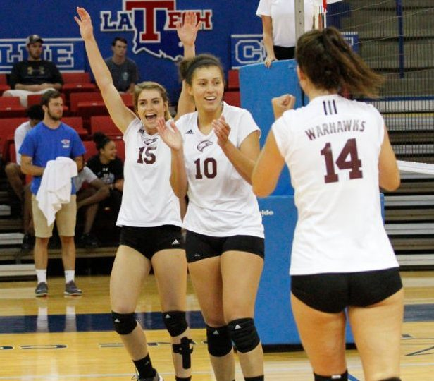 Volleyball beats LA Tech for 1st time in 26 years