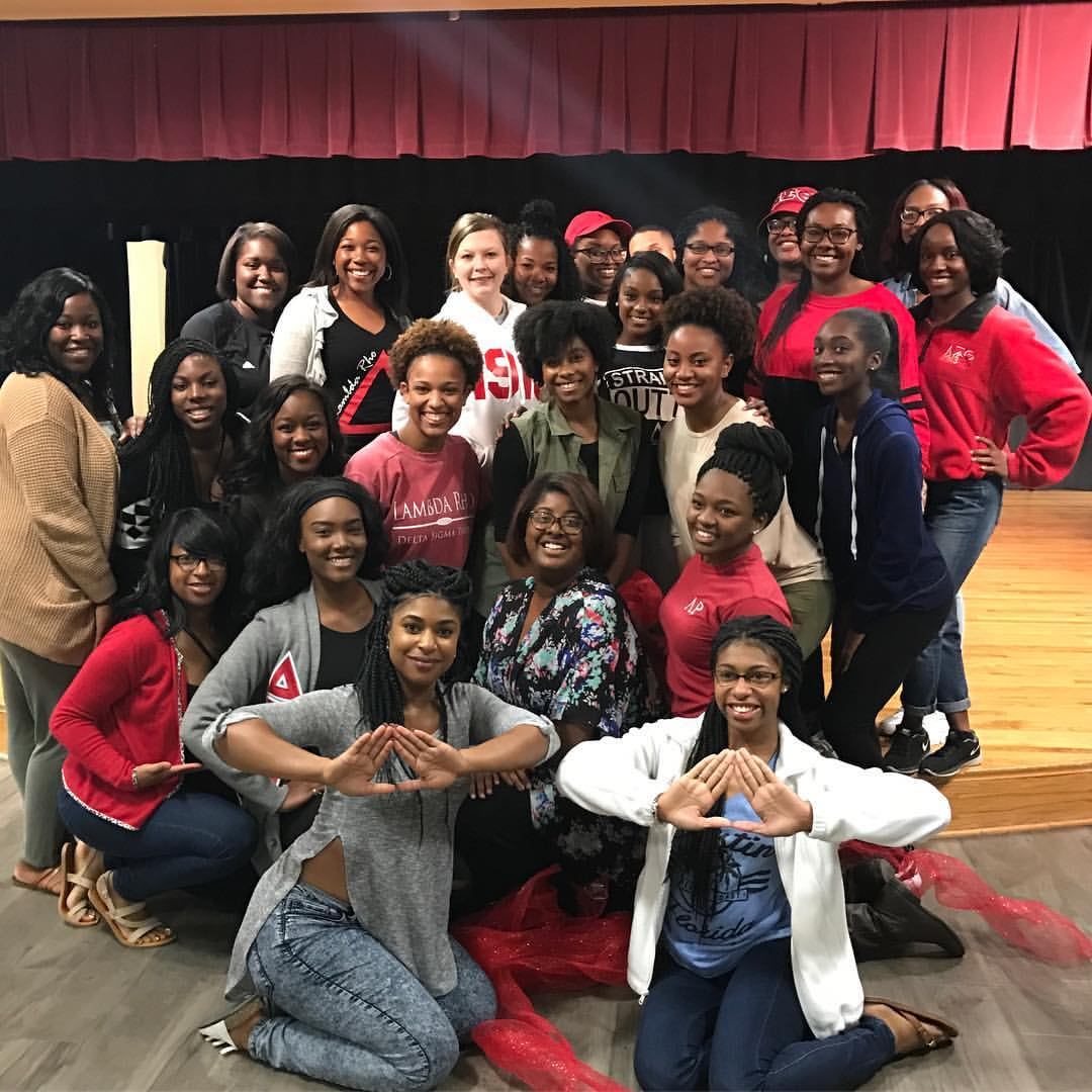 Members of Alpha phi Alpha and Delta Sigma Theta posed together
