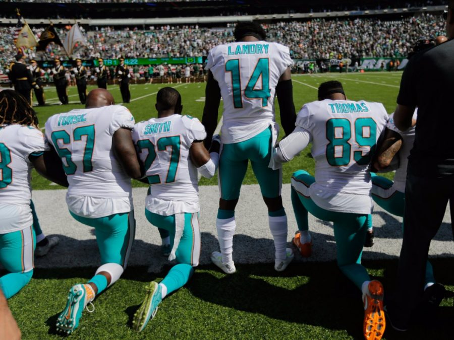 NFL+players+protest+inequality%2C+not+National+Anthem