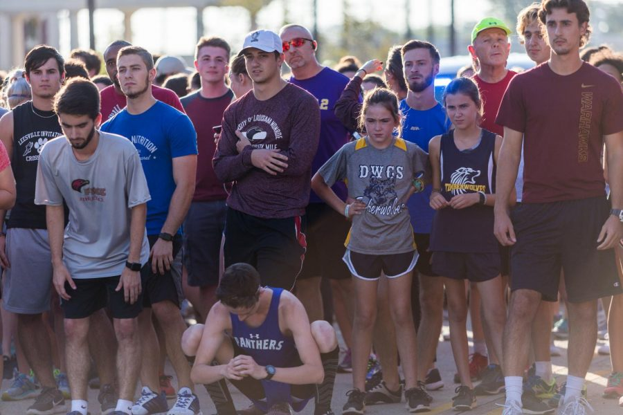 Students and community get involved in traditonal mile run