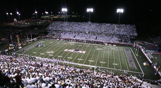 Warhawks Senior Day Spoiled in Loss