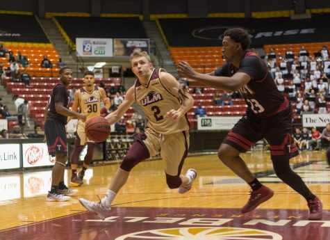 Cajuns too Spicy to Handle for Warhawks
