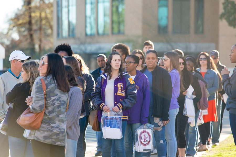 High school student flock into campus for Browse on the Bayou