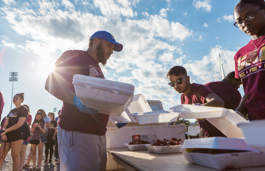Spring+Fever%3A+Warhawks+claw+their+way+to+annual+crawfish+boil