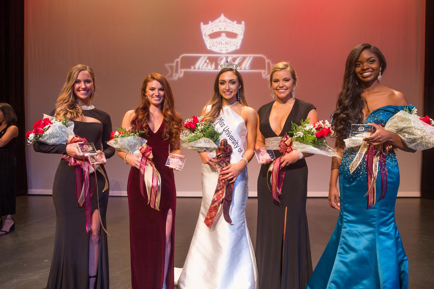 Miss ULM Monica Whitman with the top 5 contestants.
