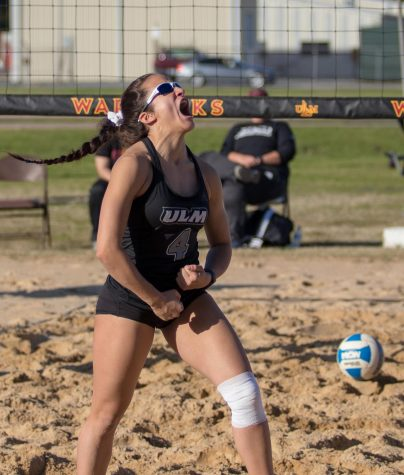 Beach volleyball serves up wins on opening weekend