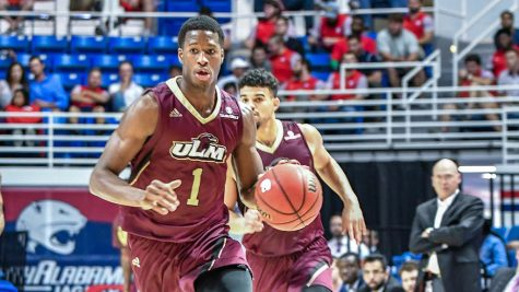 Warhawks split pair of road games in Texas