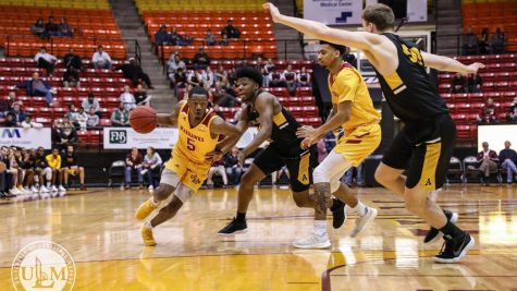 Warhawks soar over Mississippi Valley