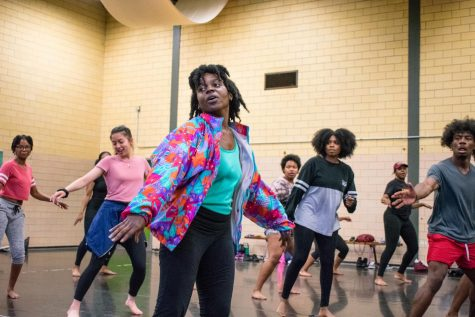Hip hop class encourages dance course registration