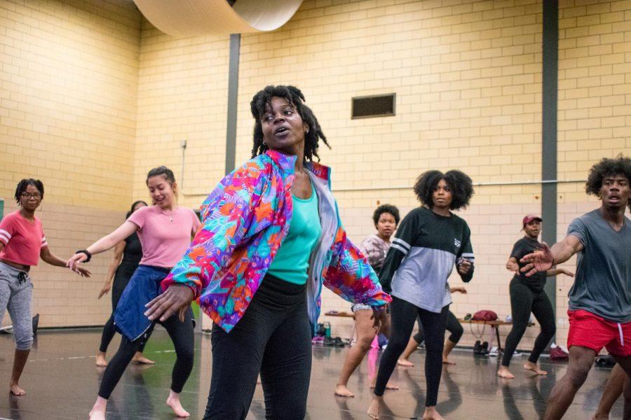 Hip hop class encourages dance course registration