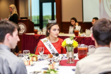 ULM Etiquette Dinner returns, teaches manners