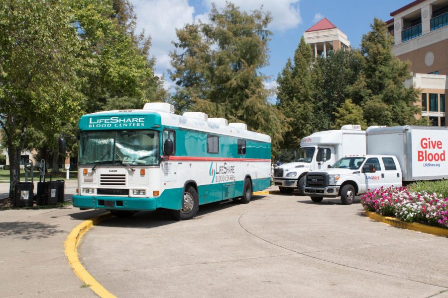LifeShare hosts blood drive on campus