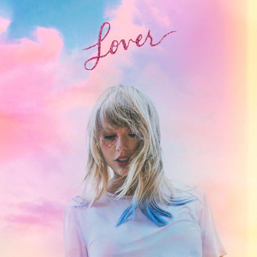 Swift+is+in+love+again