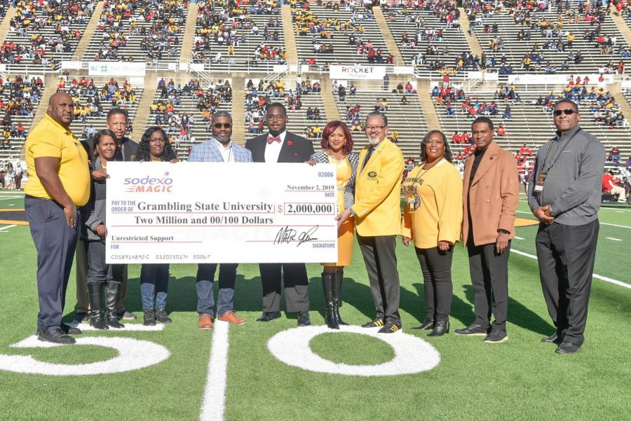 Magic+Johnson+awards+%242+million++to+Grambling+State