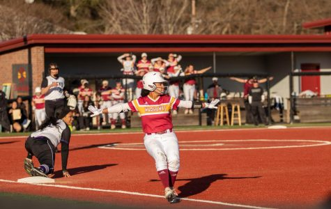 Warhawks split 4 games at Mardi Gras Invitational