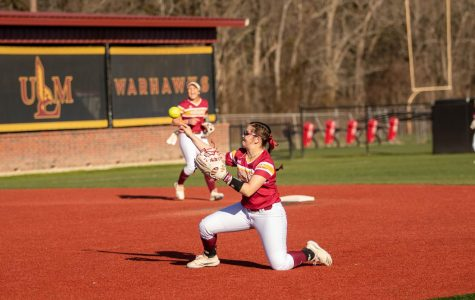 Warhawks lose 2 straight to open conference play