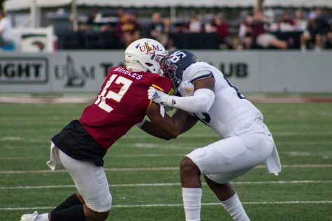 Homecoming heartbreak: Warhawks fall short