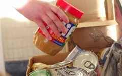 ULM gathers donations for food bank
