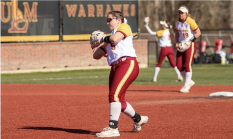 Softball splits games in Best on the Bayou Classic