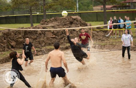 Mud, sports bring Warhawks, Monroe community together