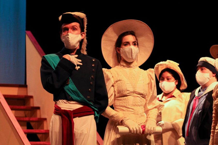 HMS Pinafore sails into hearts, ears of audience members